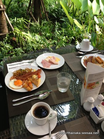 BreakfastKrabi.JPG